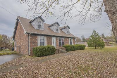 Smyrna Single Family Home Under Contract - Showing: 402 Terry Dr