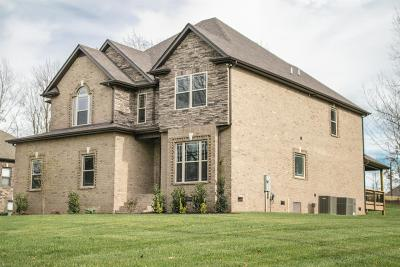 Clarksville TN Single Family Home For Sale: $389,900