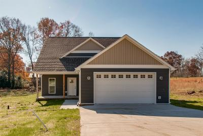 White Bluff TN Single Family Home For Sale: $299,900