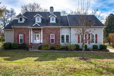 Old Hickory Single Family Home For Sale: 4413 Churchill Pl