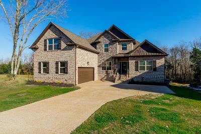 Lebanon Single Family Home Under Contract - Showing: 430 Zephyr Cove