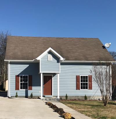 Nashville Single Family Home For Sale: 679 Park St