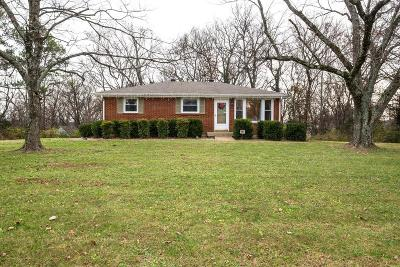 Davidson County Single Family Home Under Contract - Showing: 309 Delvin Dr