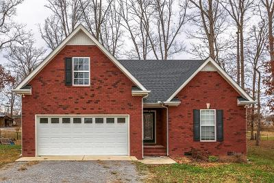 Woodbury Single Family Home For Sale: 88 Lexie Dr