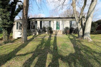 Nashville Single Family Home For Sale: 302 Blackman Rd