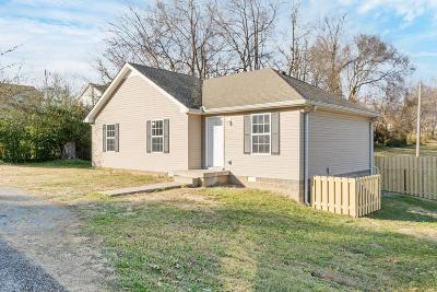 Robertson County Single Family Home For Sale: 922 Poplar Ave