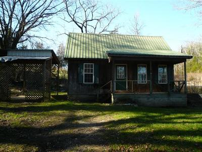 Single Family Home Sold: 402 Red Oak Rd