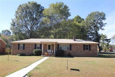 Single Family Home Sold: 610 Layne St