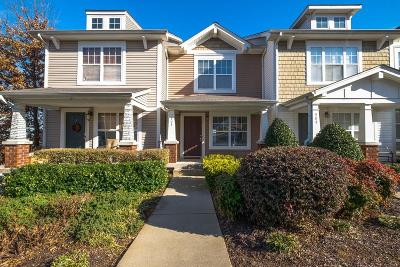 Condo/Townhouse CLOSED: 303 Shadow Glen Dr