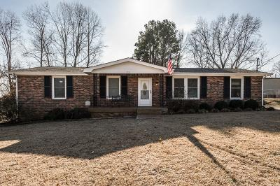 Mount Juliet Single Family Home Under Contract - Showing: 208 Bass Dr