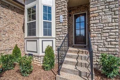 Hendersonville Single Family Home For Sale: 160 Cobbler Cir #92