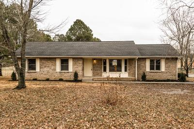 Robertson County Single Family Home Under Contract - Showing: 3561 Raymond Head Rd