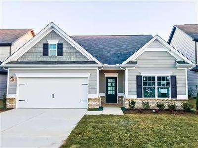 Spring Hill Single Family Home For Sale: 925 Carnation Drive