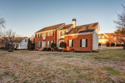 Old Hickory Single Family Home For Sale: 4728 Hunters Crossing Dr