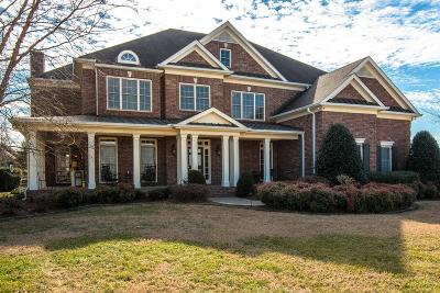 Franklin Single Family Home Under Contract - Showing: 326 Binkley Dr