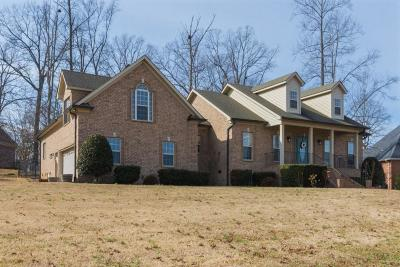 Robertson County Single Family Home Under Contract - Showing: 1078 Carrs Creek Blvd
