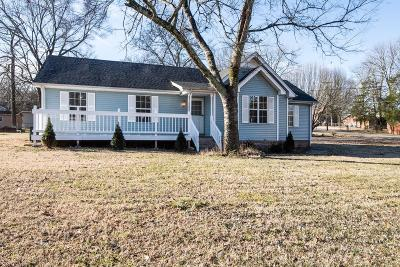 Lavergne Single Family Home Under Contract - Showing: 159 Nelson Dr