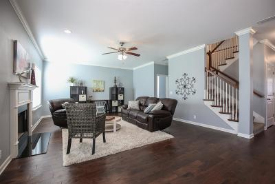 Single Family Home For Sale: 5717 Enclave Dr