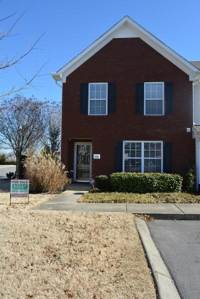Smyrna Condo/Townhouse Under Contract - Showing: 3003 Burnt Pine Dr
