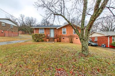 Davidson County Single Family Home For Sale: 2437 Monticello Dr