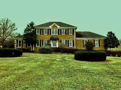 Lebanon Single Family Home For Sale: 2214 Barnes Dr