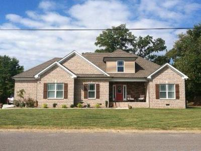 Murfreesboro Single Family Home For Sale: 2615 Battleground Dr