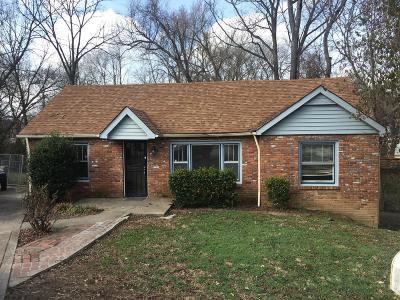Davidson County Single Family Home For Sale: 405 Valeria Ct