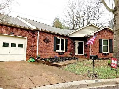 Davidson County Single Family Home For Sale: 805 Conway Pl