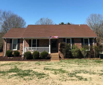Nashville Single Family Home For Sale: 813 Footpath Ter