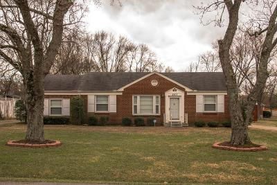 Donelson Single Family Home Under Contract - Showing: 2807 Emery Dr