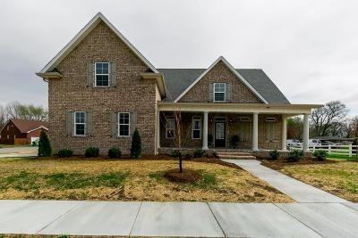 Old Hickory Single Family Home Under Contract - Showing: 700 Keeton Ct