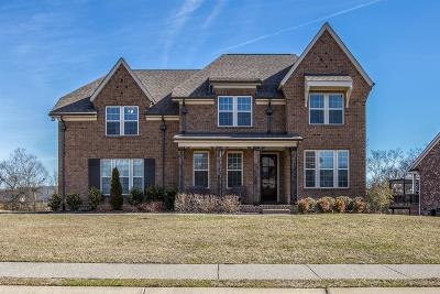 Spring Hill Single Family Home Under Contract - Showing: 1062 Cantwell Pl