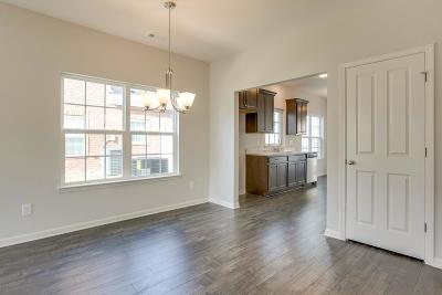 Spring Hill Condo/Townhouse For Sale: 411 Oldbury Lane L 70
