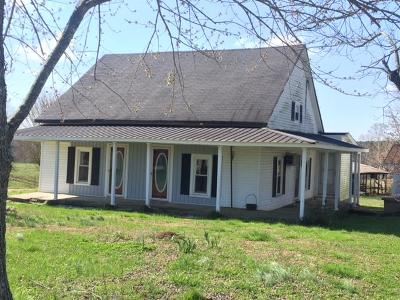 Lawrenceburg Single Family Home For Sale: 968 Lee Chapman Rd