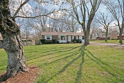 Nashville Single Family Home Under Contract - Showing: 2620 Mashburn Rd