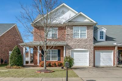 Spring Hill Single Family Home For Sale: 1066 Misty Morn Cir
