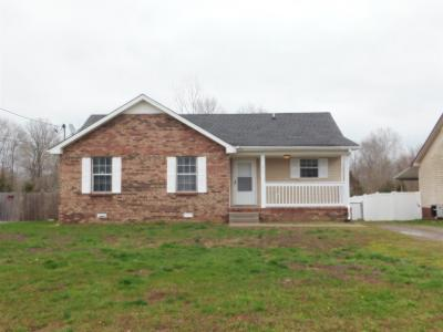 Clarksville Single Family Home Under Contract - Showing: 411 Donna Dr