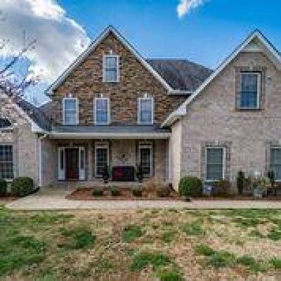 Clarksville Single Family Home For Sale: 4870 Tuckaway Ct