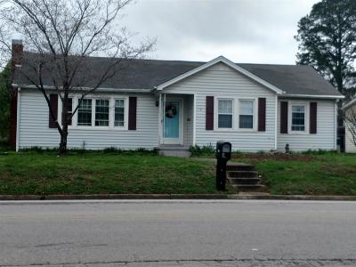 Lawrenceburg Single Family Home For Sale: 901 N Military Ave