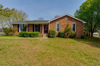 Robertson County Single Family Home Under Contract - Showing: 2911 Curtiswood Ln E