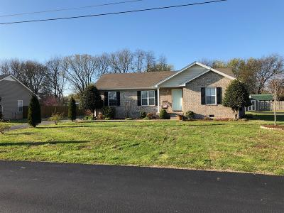 Sumner County Single Family Home Under Contract - Showing: 131 Cornerstone Blvd