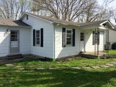Sumner County Single Family Home For Sale: 105 Hardy St