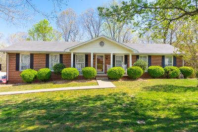 Ashland City Single Family Home Under Contract - Showing: 410 Timber Rd.