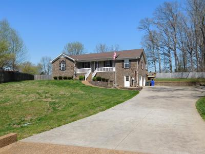 White House Single Family Home Under Contract - Showing: 103 Cedar Point Ct