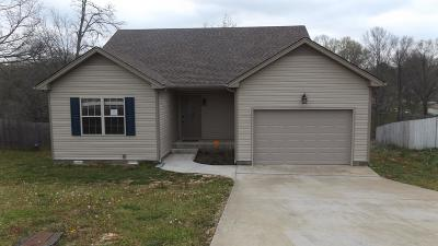Clarksville Single Family Home For Sale: 2169 Trophy Trc