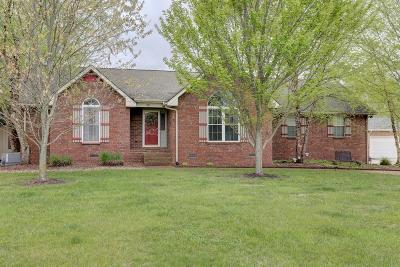 Robertson County Single Family Home For Sale: 101 Orchard Park Dr