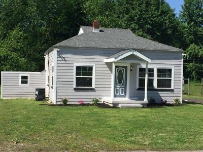 Old Hickory Single Family Home Under Contract - Showing: 114 Hamblen Ave