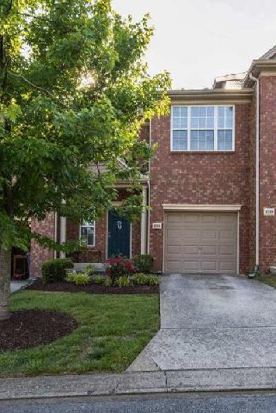 Brentwood Condo/Townhouse For Sale: 8326 Oak Knoll Dr