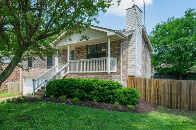 Davidson County Single Family Home For Sale: 3236 Priest Woods Drive