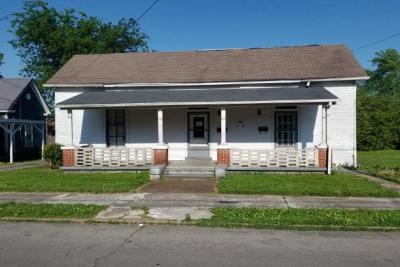 Springfield Multi Family Home Active - Showing: 704 Cheatham St